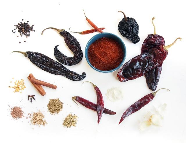{Kitchen DIY} Homemade Chili Powder - Ingredients