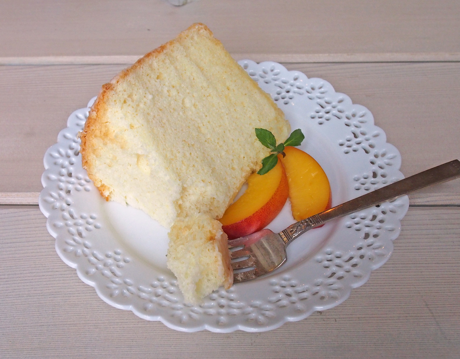Recipe} Chiffon Cake with Lemon Glaze & Nectarines | Sweet Little ...