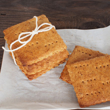 {Recipe} Homemade Honey Graham Crackers
