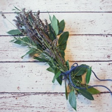 {Backyard Chickens} Aromatherapy for Chickens - DIY Herb Bouquet