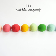 {DIY} Kool-Aid Playdough ~ Recipe & Instructions