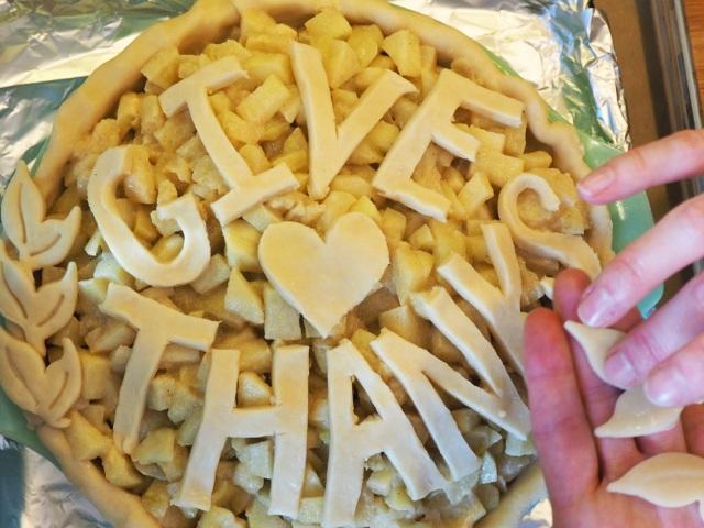 {Recipe} Spiced Apple Pie with Brandy & Cream #thanksgiving